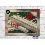 Картина вышитая бисером Пианино и роза от Пушки Натальи